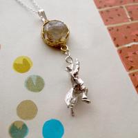 【受注制作】月に登るきつねのネックレス(ルチルクォーツ)