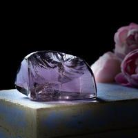 夢を実現する紫のドレス