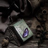 紫の月のお守り石