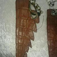 ワニの尻尾キーホルダー