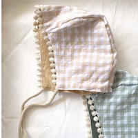 reversile gingham plaid bonnet / beige