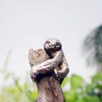 ミユビナマケモノ幼獣イヤーカフ(brown)