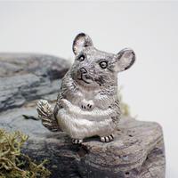 チンチラきょとんブローチ (gray)
