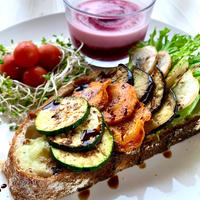 FOODIES CAMP<SPECIAL SANDWICH> 【グリル野菜のオープンサンドイッチと冷製スープのセット】(8月1日限定・店頭ピックアップ)