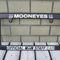 MOONEYES ライセンス フレーム OFFICIAL MOON STAFF CAR MG057BK