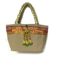 ヴィンテージ刺繍のタッセル付トートバッグ  Beige2