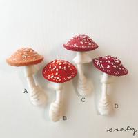 -----受注制作------ Mushroom  ( キノコ ノ ブローチ× Pop-Up Appliqué )