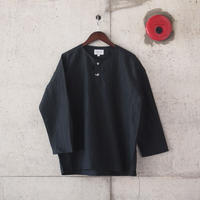 Manual Alphabet〈マニュアルアルファベット〉 WRINKLE HENLEY NECK SHIRT BLACK