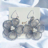 lace flower (silver)