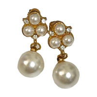 pearl flower design earrings