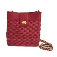 red basket chain shoulder bag