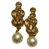 chain design pearl earring