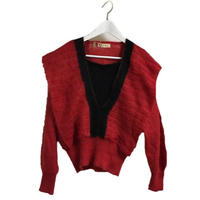V design knit red
