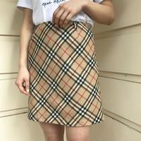 Burberry check design skirt(NoA2.)