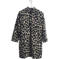 monotone pattern coat