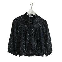 Volume silhouette dot blouse