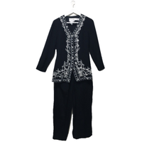 Embroidery rompers black