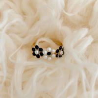3 flower ring black