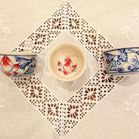ベトナム バッチャン焼き 湯呑み茶碗  蓮花柄(青)
