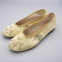 台南刺繍靴(イエロー)Embroidery shoes (Yellow)