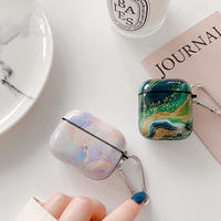 Light dark marble airpods case