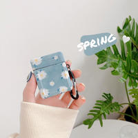 Blue daisy airpods case