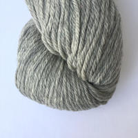 cascade 220 Heather 8401 Silver Grey 人気のグレー