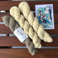 Moeke yarns  Elena  single   50gカセ