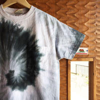 GOOD WEAR S/S SPIRAL TIE DYE BLACK POCKET TEE