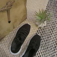 w sneakers