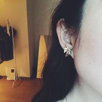 ribbon motif earring