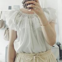 used オフショルダー  blouse