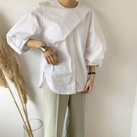 twist sleeve asymmetry blouse (2color)   [TOP20AW273]