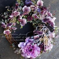 『 Autumn door wreathe 』 …Made with artificial flowers