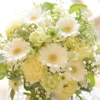 ホワイト系洋花アレンジメント