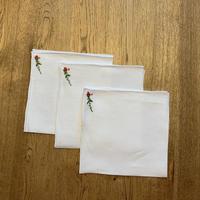 MUNGAI / ムンガイ/リネン チーフ/刺繍モチーフ/バラ