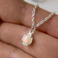 天然オパール純銀ネックレス0.67ctオーストラリア・ミンタビー産☆原石から磨いた1点もの