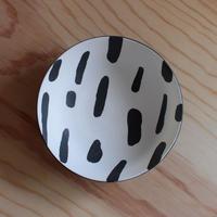 中尾雅昭:白黒浅鉢