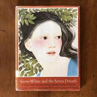 「Snow-White and the Seven Dwarfs」Nancy Ekholm Burkert(ナンシー・エコーム・バーカート)