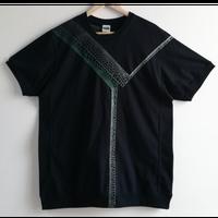 【手刺繍】「INTO THIS」_20180427_ユナイテッドアスレ7.1オンス オーセンティックスーパーへヴィーウェイト無地Tシャツ(サイドパネル)を使用
