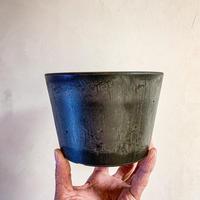 Black Pot (15x10cm)