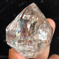 ハーキマーダイヤモンド <スペシャルレインボー!!>【クッション付き】
