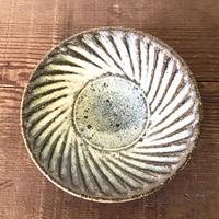 藁灰 しのぎ3.5寸皿/工房つちみ