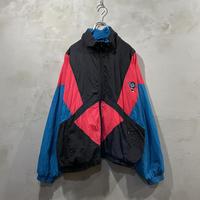 Switching design nylon jacket