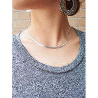 FLAT  METAL  NECKLACE