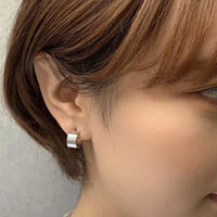 THICK  FLAT  MINI  HOOP  PIERCE
