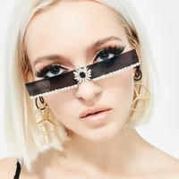 【DOLLS KILL】Shining Aura rhinestone Sunglasses