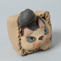 岡村洋子「猫かぶり・箱猫」