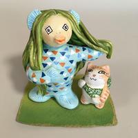 小紅「アマビエ・小さな茶トラ猫」 (石粉粘土)