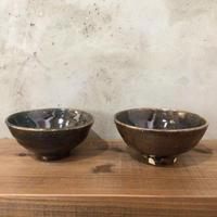 【金城宙矛】渋かっこいい 黒釉飯碗